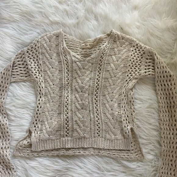 Hollister Sweaters - Hollister Soft Knit Long Sleeve Sweater XS/S